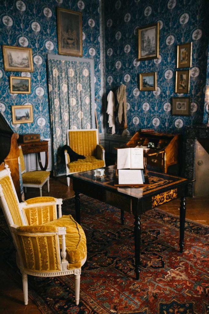 La chambre bleue dans la maison de George Sand à Nohant dans l'Indre. crédit photo : Clara Ferrand