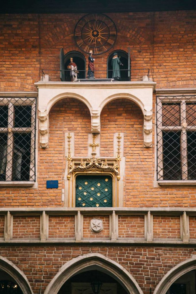 L'horloge de l'Université de Cracovie. credit photo : Clara Ferrand