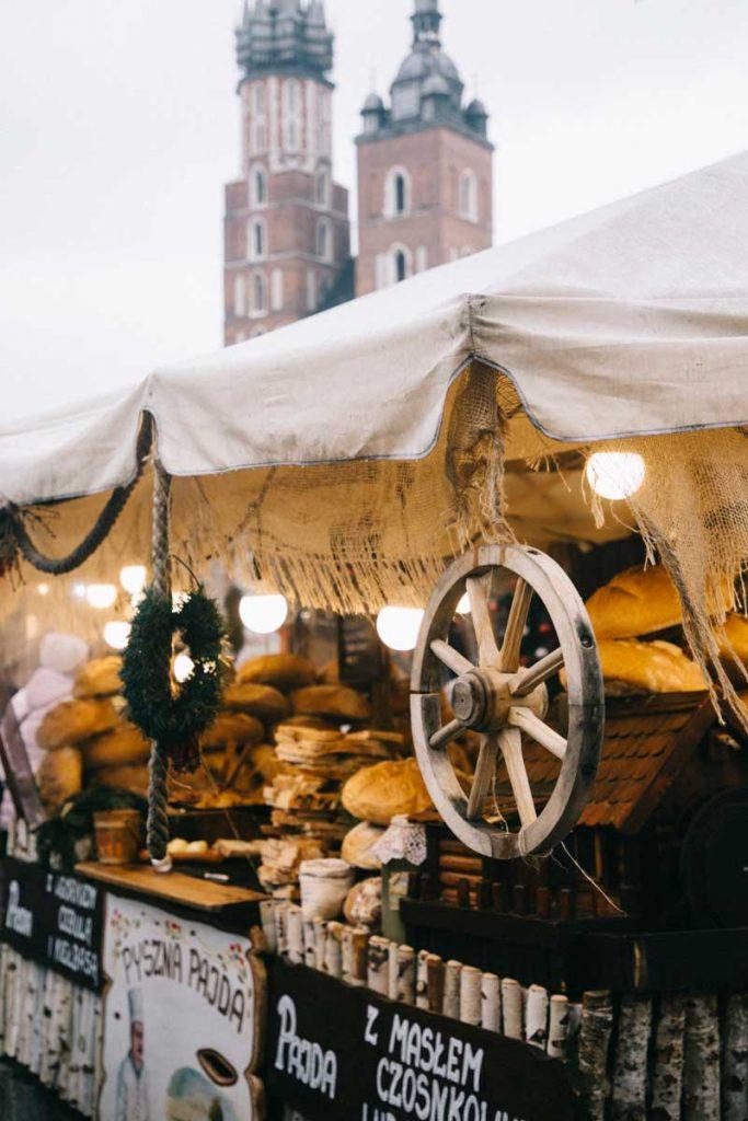 Visiter Cracovie et son marcher de Noël en Pologne. credit photo : Clara Ferrand - blog Wildroad