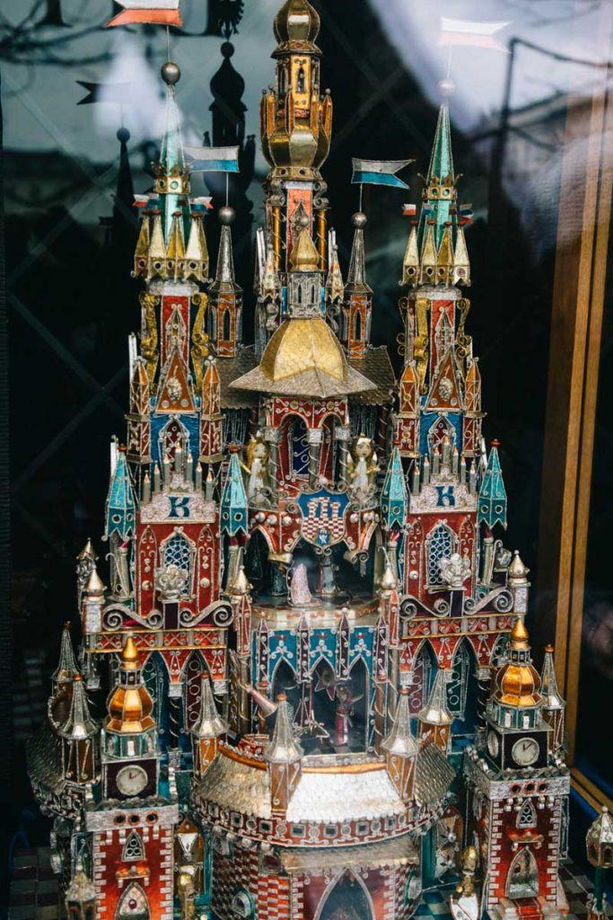 Les crèche de noël de Cracovie en Pologne, une tradition ancestrale. credit photo : Clara Ferrand - blog Wildroad