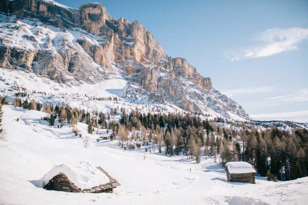 faire une randonnée en hiver dans les Dolomites. credit photo : Clara Ferrand