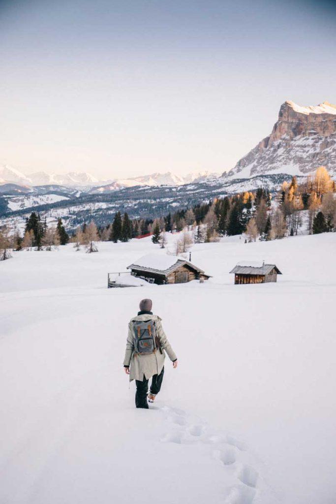 Maison traditionnelle en bois dans les Dolomites, en italie dans le South Tirol. crédit photo : Clara Ferrand