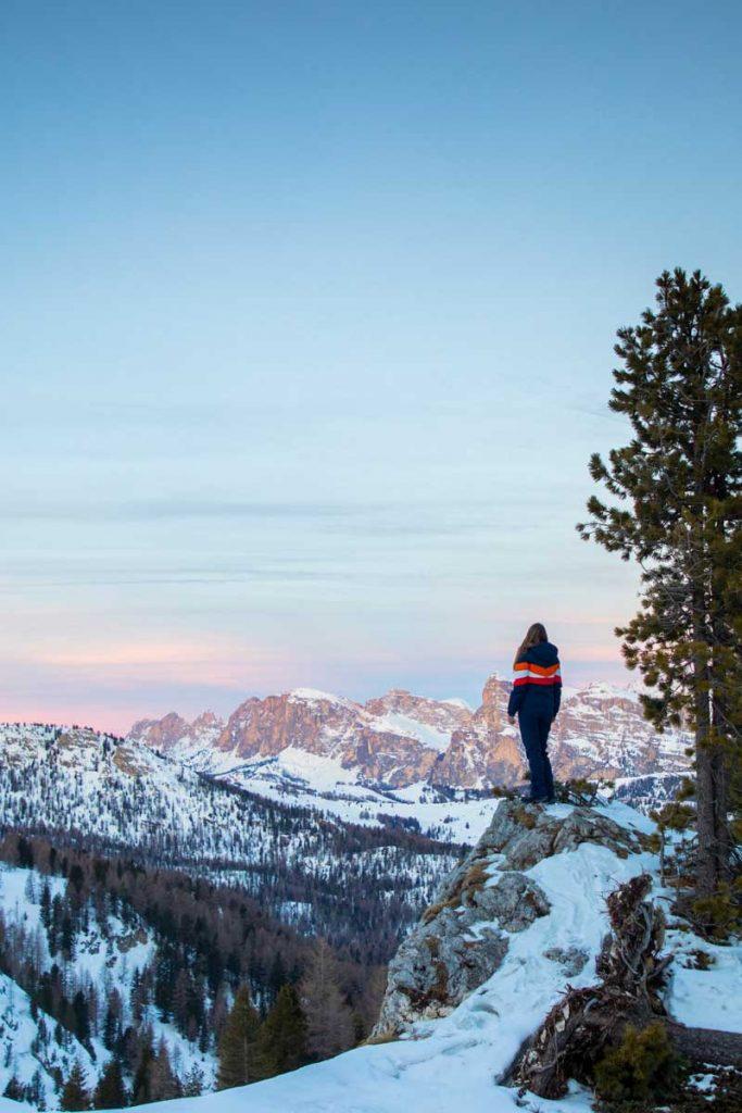 Panorama sur le paysage magnifique des Dolomites en hiver. credit photo  : Clara Ferrand