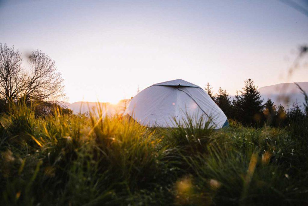 Présentation de la nouvelle tente 2 secondes de Quechua. crédit photo : Clara Ferrand - blog wildroad