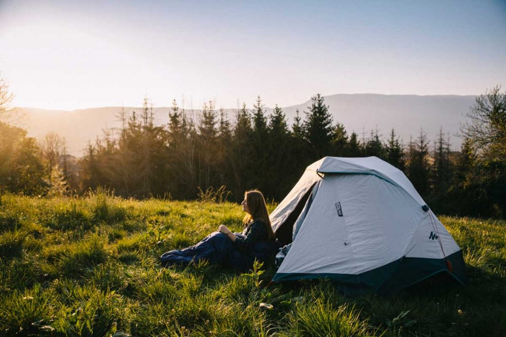 Un week-end camping en France avec la nouvelle tente 2 secondes de Quechua. credit photo : Clara Ferrand - blog Wildroad