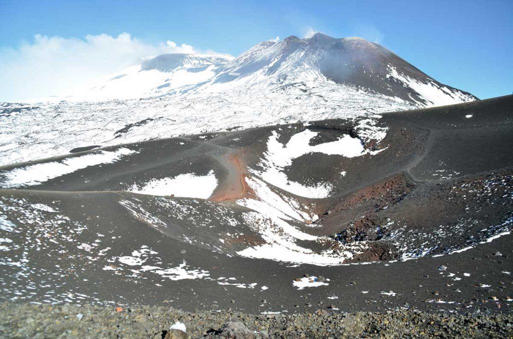 Visiter et randonner sur l'Etna, le volcan actif en Sicile. crédit photo : Chrissandvoyage