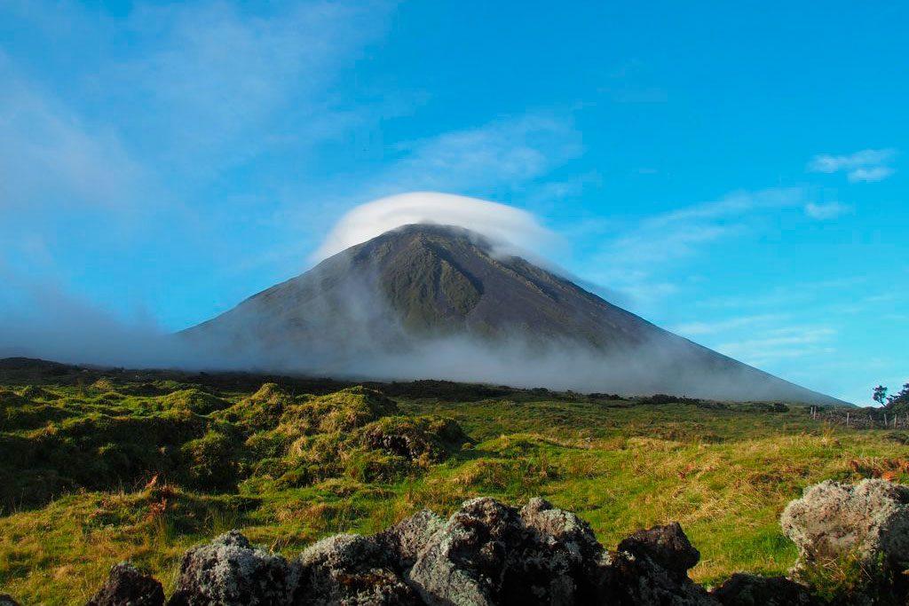 L'île de Pico et son volcan à visiter dans l'archipel des Açores.  Crédit photo : Au goût d'Emma