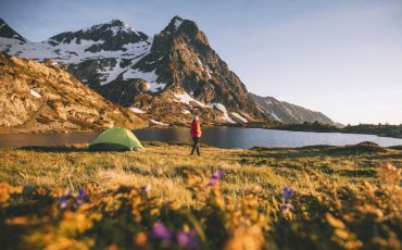Randonnée et bivouac au lac Fourchu dans le massif du Taillefer. crédit photo : Clara Ferrand