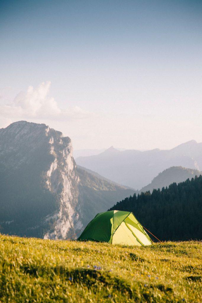 Où faire un bivouac dans le massif de la Chartreuse : la croix de l'Alpe. crédit photo : Clara Ferrand - blog Wildroad #bivouac #campingsauvage