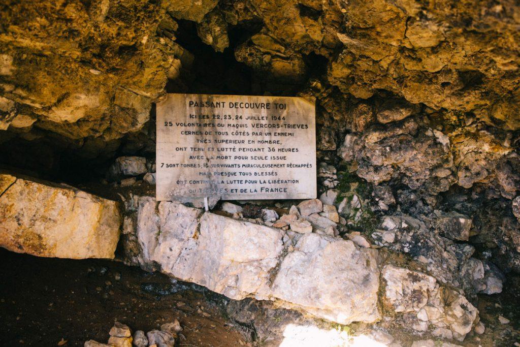 La grotte de la seconde Guerre Mondiale dans le Vercors. crédit photo : Clara Ferrand - blog Wildroad