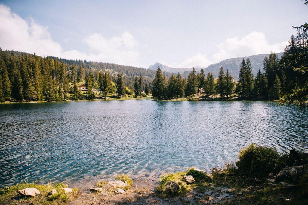 La beauté du lac du Poursollet dans le massif du Taillefer dans les Écrins. crédit photo : Clara Ferrand - blog Wildroad
