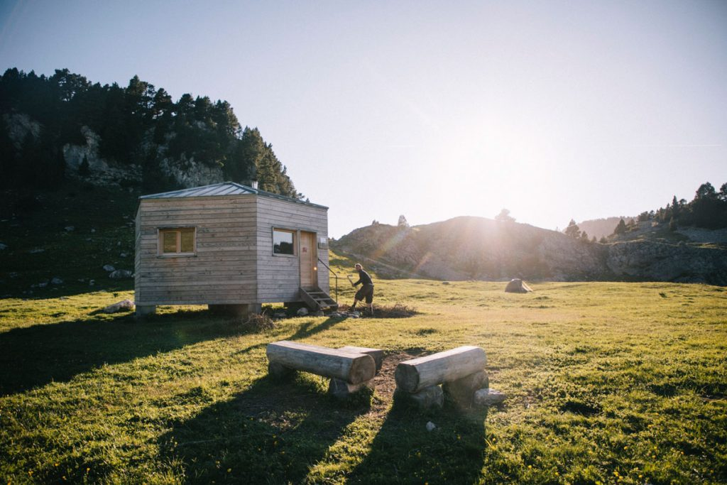 La refuge non gardé de Chaumaillloux au pas de l'Aiguille. crédit photo : Clara Ferrand - blog Wildroad