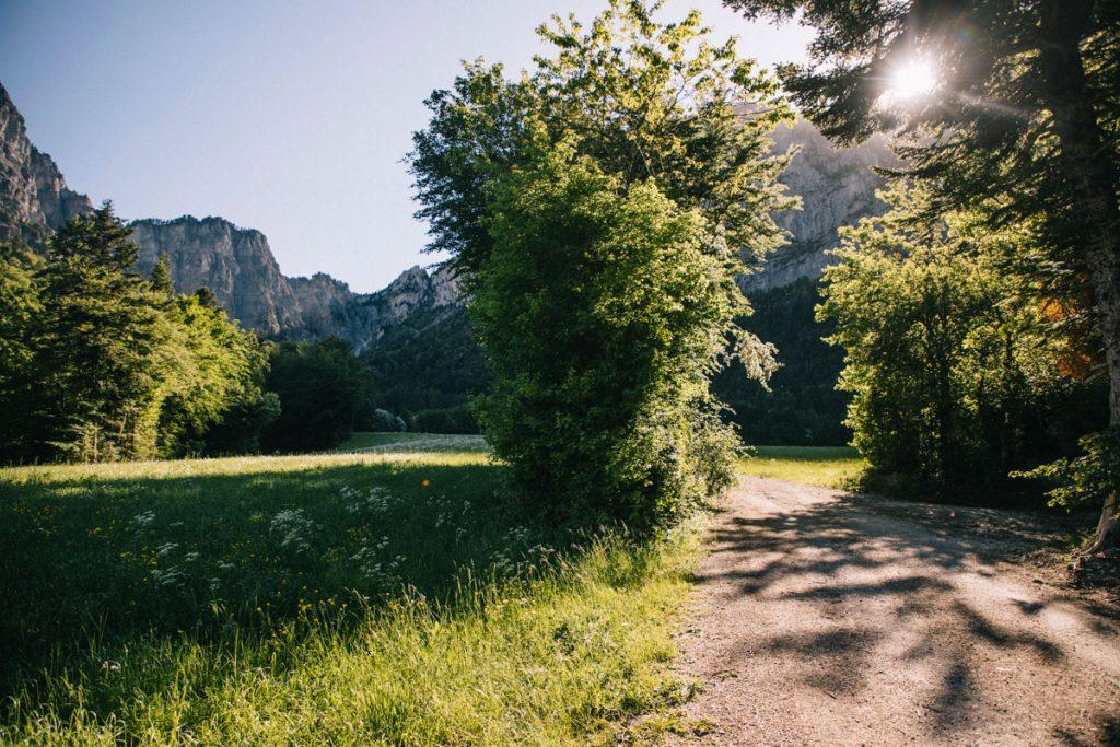 La plein en face du pas de l'aiguille dans le parc naturel régional du Vercors. crédit photo : Clara Ferrand - blog Wildroad