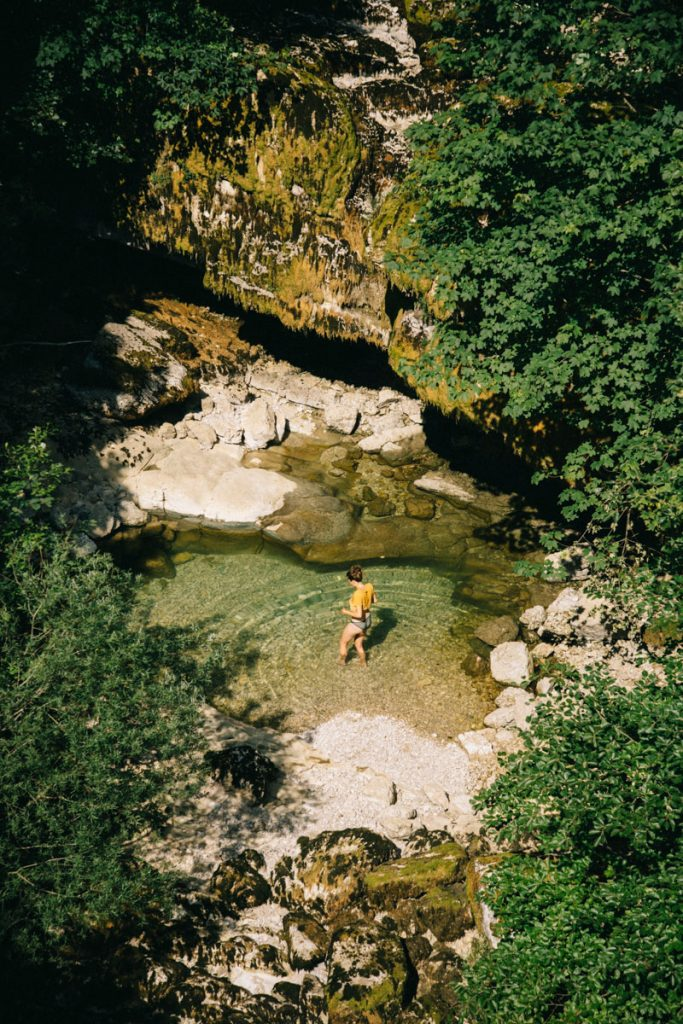 La cascade du bief de la ruine dans le Jura. crédit photo : Clara Ferrand - blog Wildroad