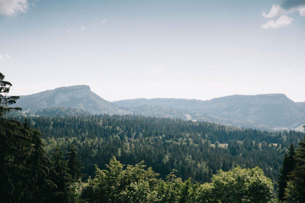 Les paysages du massif du Jura à voir pendant un trek. crédit photo : Clara Ferrand - blog Wildroad