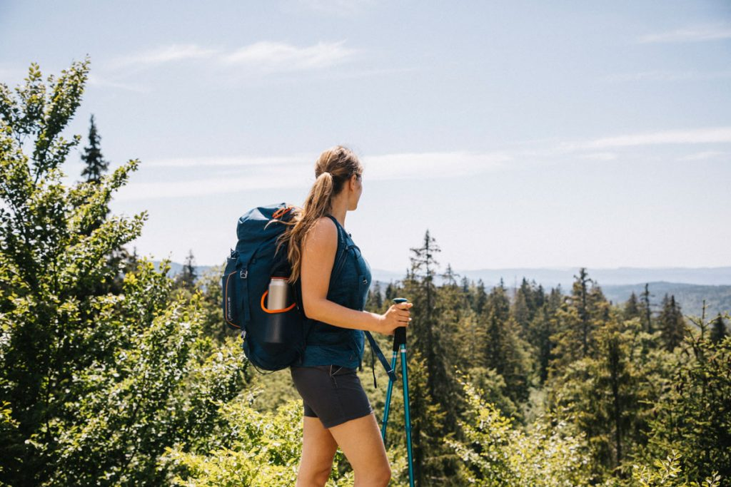 Mon équipement pour 4 jours de trek dans le Jura sur l'échappée jurassienne. crédit photo : Clara Ferrand - blog Wildroad