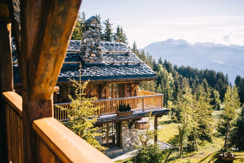Hébergement insolite au coeur des montagne en Savoie. Un week-end parfait en amoureux. Crédit photo : Clara Ferrand - blog Wildroad  #savoie #alpes