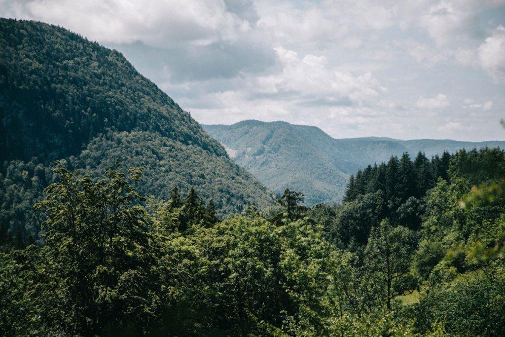 Les paysages du parc naturel régional du Haut jura. crédit photo : Clara Ferrand - blog Wildroad