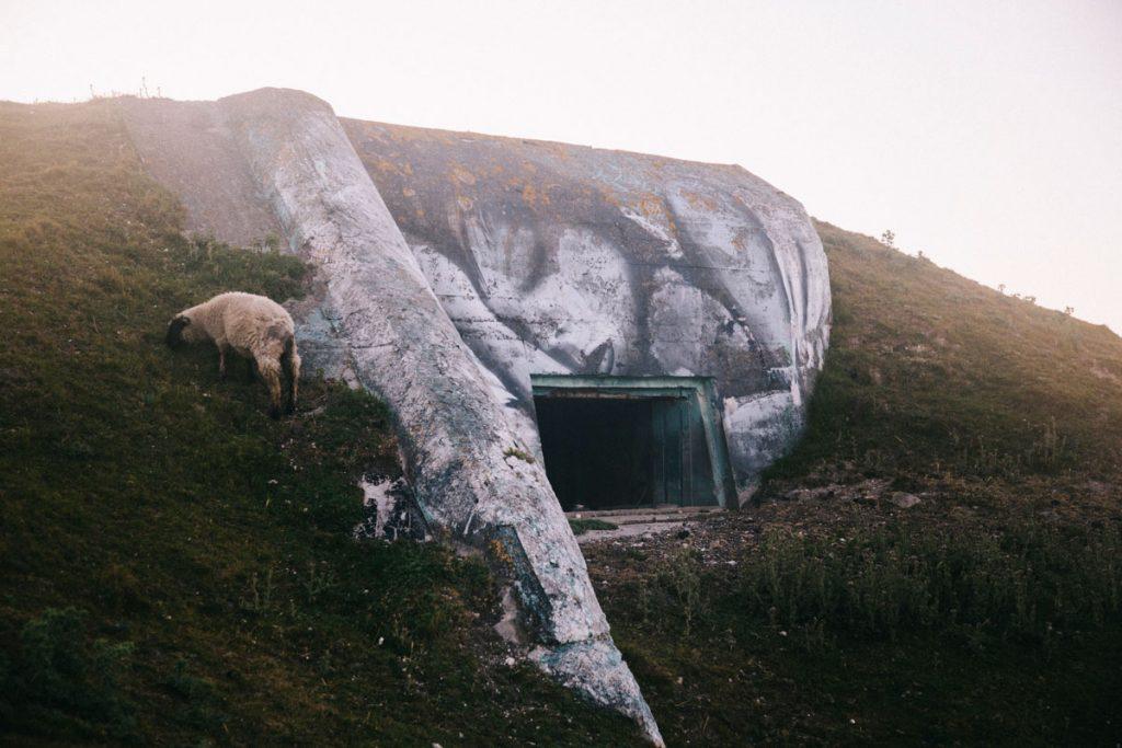 Le bunker de la 2ND guerre mondiale à Mers-les-Bains. crédit photo : Clara Ferrand - blog Wildroad