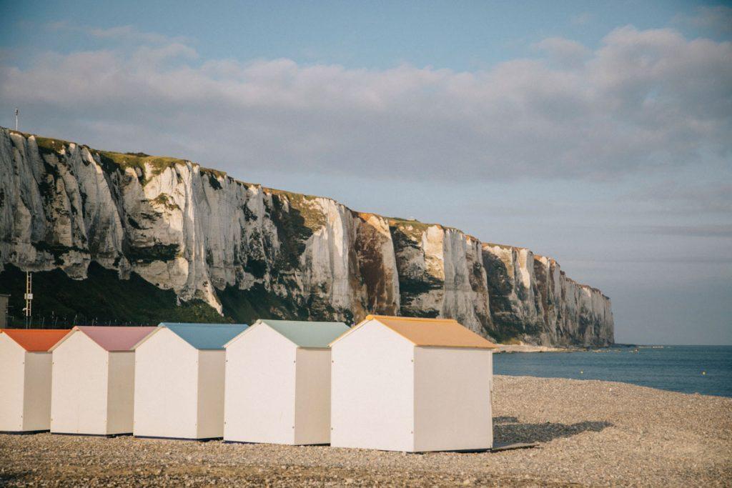 les cabanes de plage du Tréport en Normandie. crédit photo : Clara Ferrand - blog Wildroad