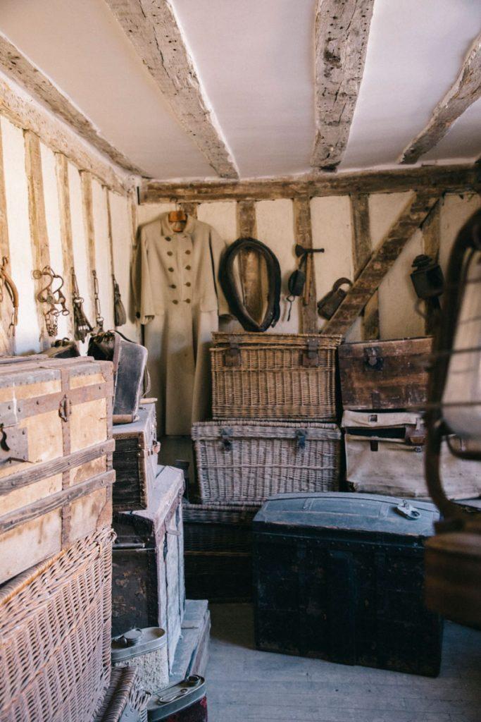 Les salle du chateau de vaux décorés pour l'escale Game. crédit photo : Clara Ferrand - blog Wildroad