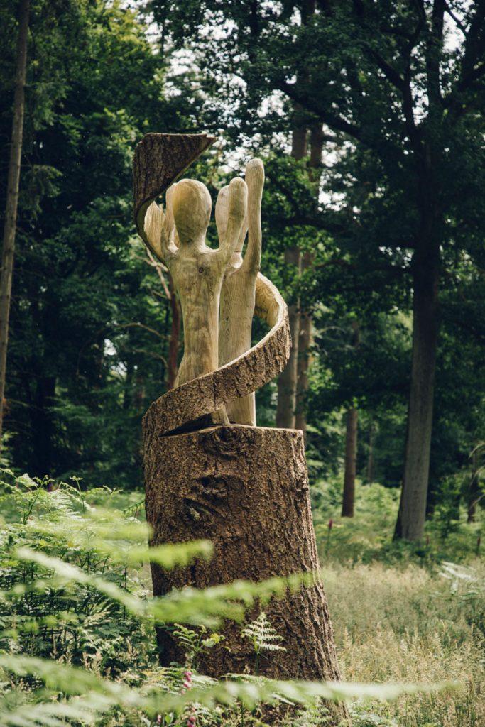 Les sculptures de la forêt de Crecy dans la baie de Somme. crédit photo : Clara Ferrand - blog Wildroad
