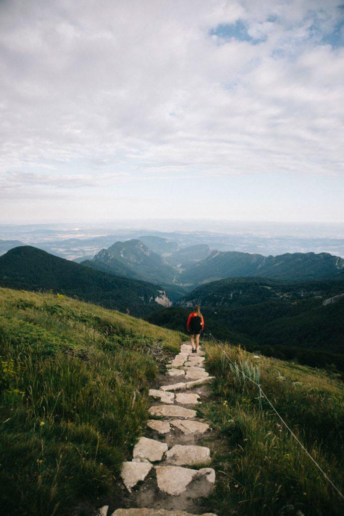 La randonnée de la forêt de Saou par les 3 sommets du Veyou, signal et Roche Courbe. crédit photo : Clara Ferrand - blog Wildroad