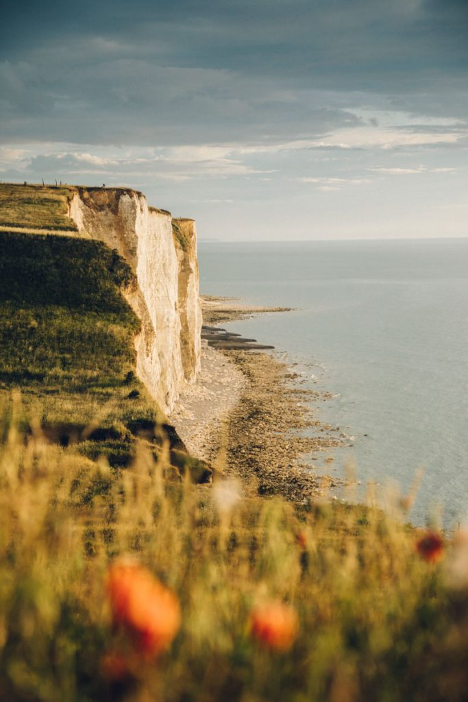 Se balader sur les falaises de la côte d'albâtre en picardie. crédit photo : Clara Ferrand - blog Wildroad