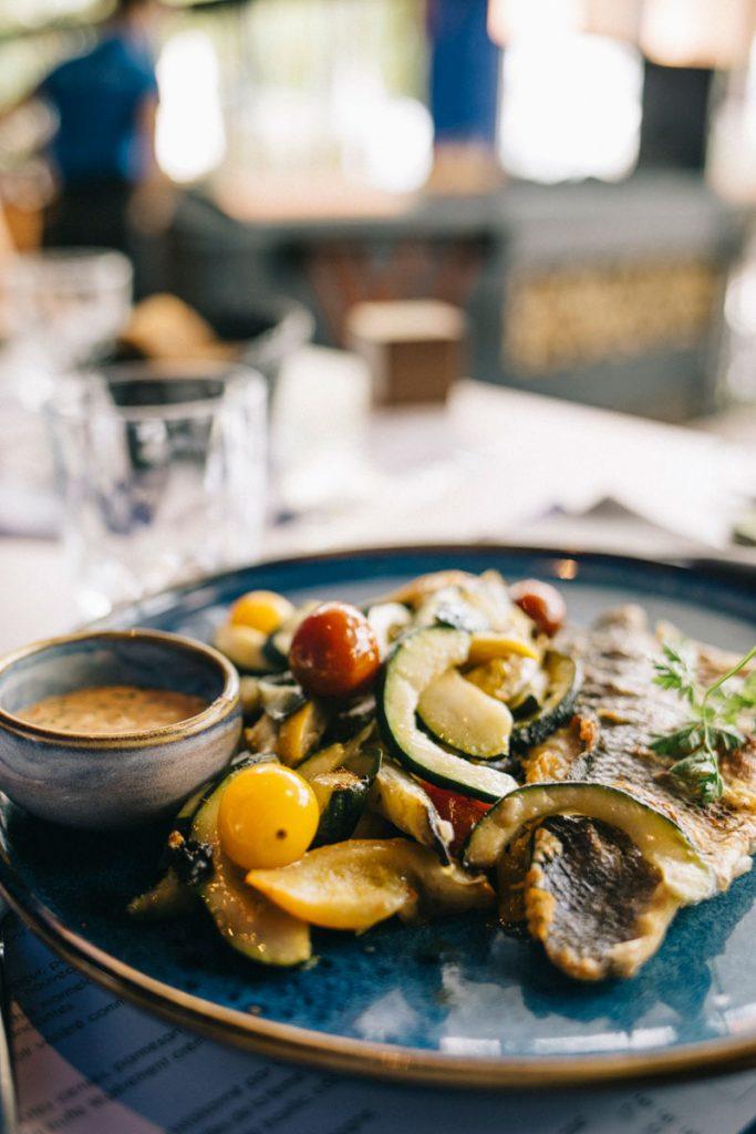 Les menus branchés du restaurant du belvédère aux lacs d'Orient à Mesnil Saint-Père. crédit photo : Clara Ferrand - blog Wildroad