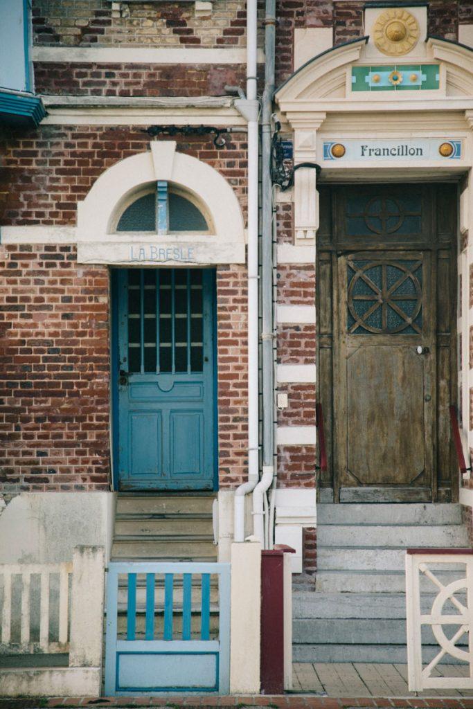 Les façades des villas bourgeoise de mers-les-Bains en picardie. crédit photo : Clara Ferrand - blog Wildroad