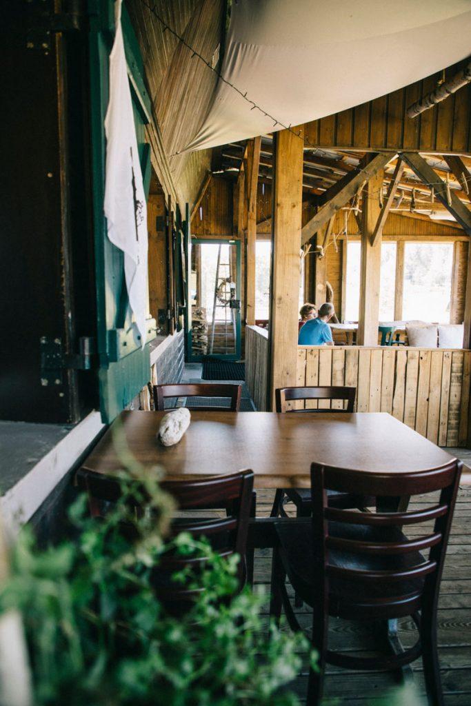 Où manger une part de tarte aux myrtille au Ballon d'Alsace : à la cabane sur la station de ski de la Gentiane. crédit photo : Clara Ferrand - blog Wildroad