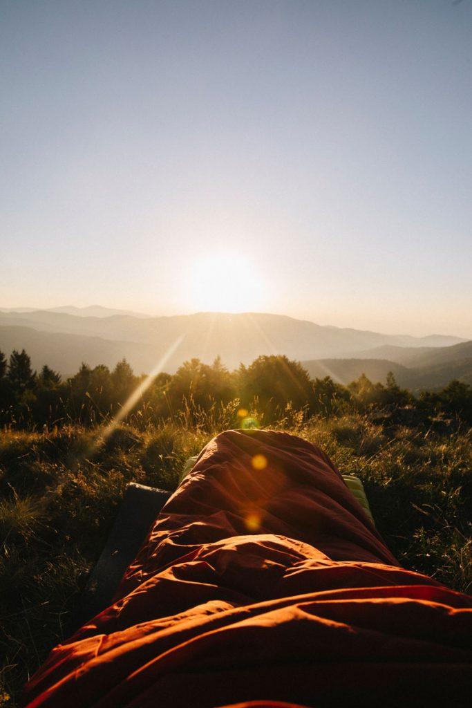 Le matériel à prévoir pour faire un bivouac dans le massif des Vosges en été. crédit photo : Clara Ferrand - blog Wildroad
