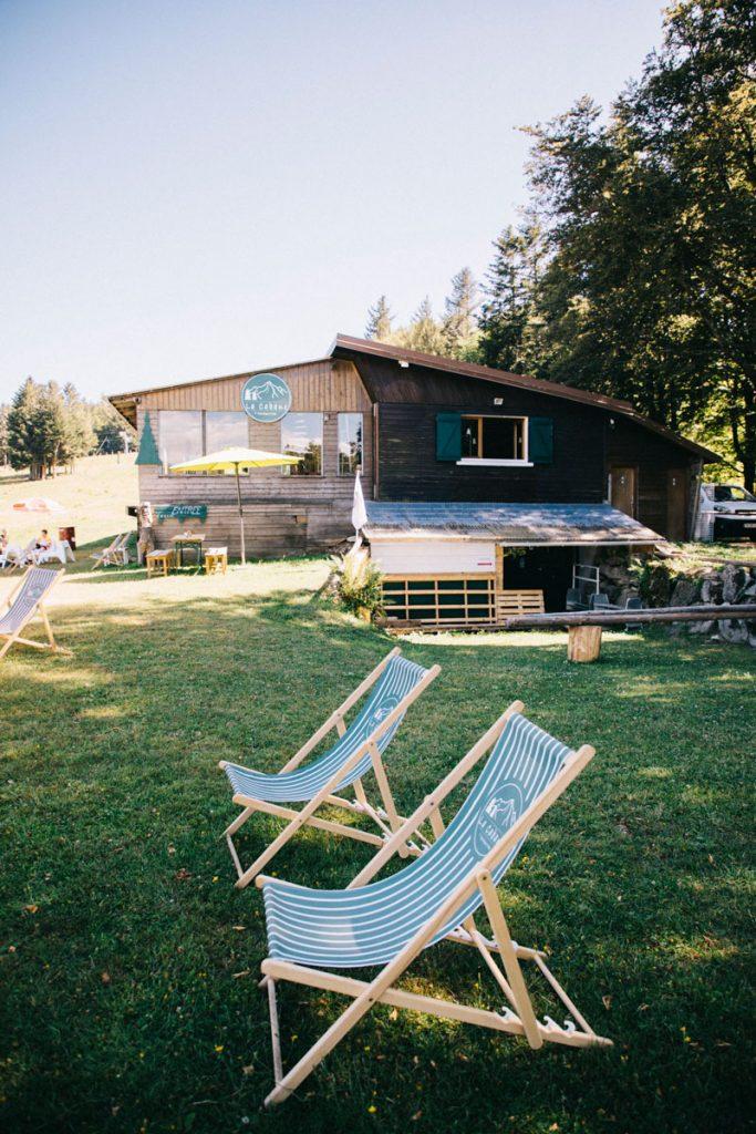 La cabane un café au pied de la station de ski de la Gentiane. crédit photo : Clara Ferrand - blog Wildroad