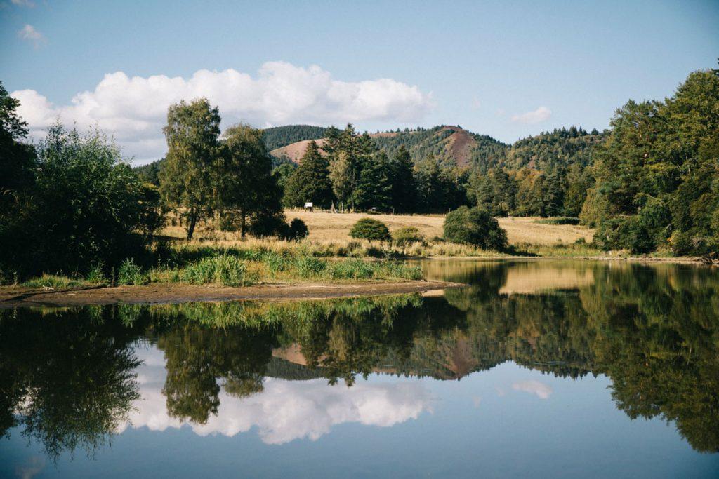 Le parc naturel des volcans d'Auvergne et le puy de la Vache. crédit photo : Clara Ferrand - blog Wildroad