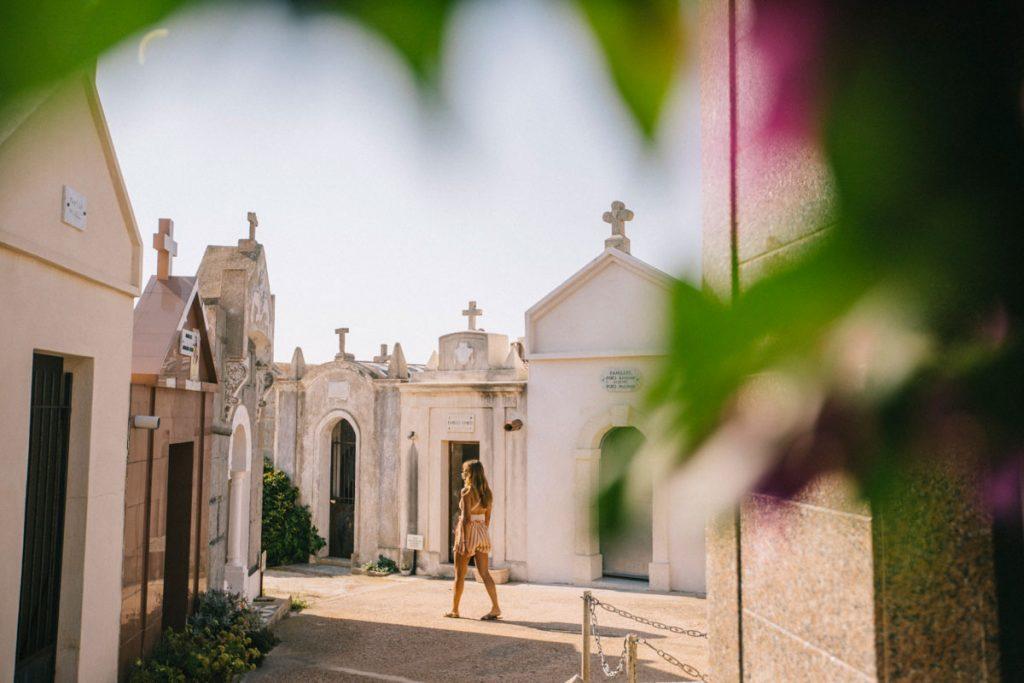 Visiter le cimetière marin de Bonifacio. crédit photo : Clara Ferrand - blog Wildroad
