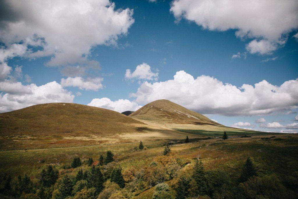 Le puy de l'Angle et de le Tache enregistré andonnée dans le massif du Sancy. crédit photo : Clara Ferrand - blog Wildroad