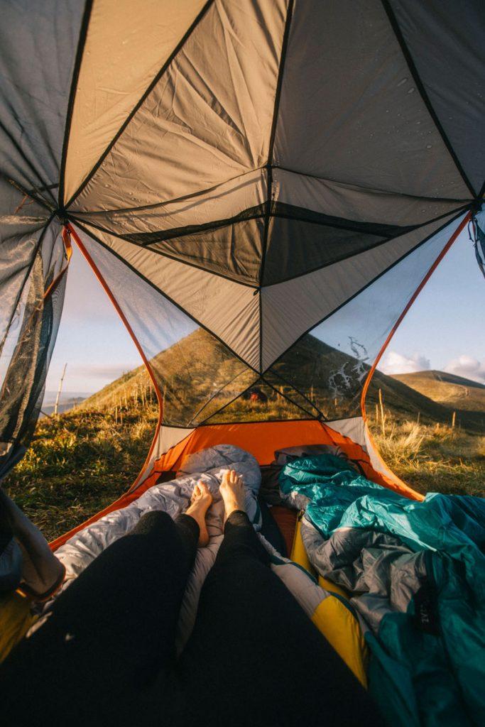 Quel materiel prévoir pour faire un trek itinérant en Auvergne. crédit photo : Clara Ferrand - blog Wildroad