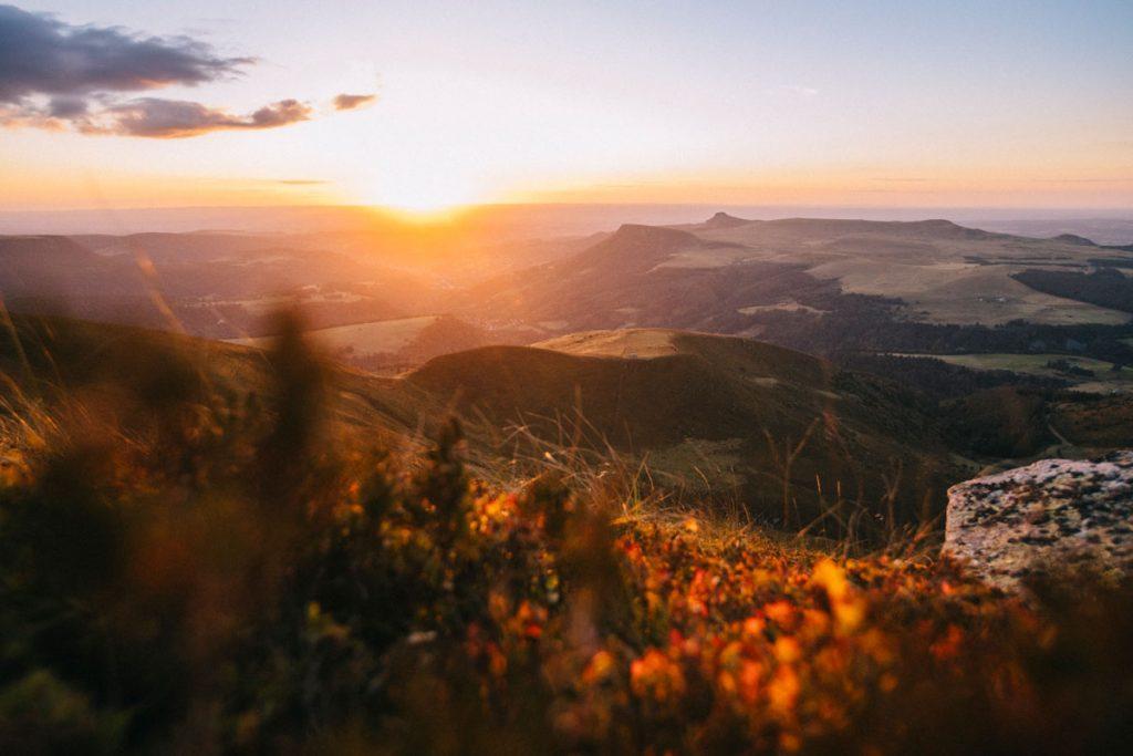 Randonnée dans le massif du Sancy et bivouac au sommet du puy de la tache. crédit photo : Clara Ferrand - blog Wildroad