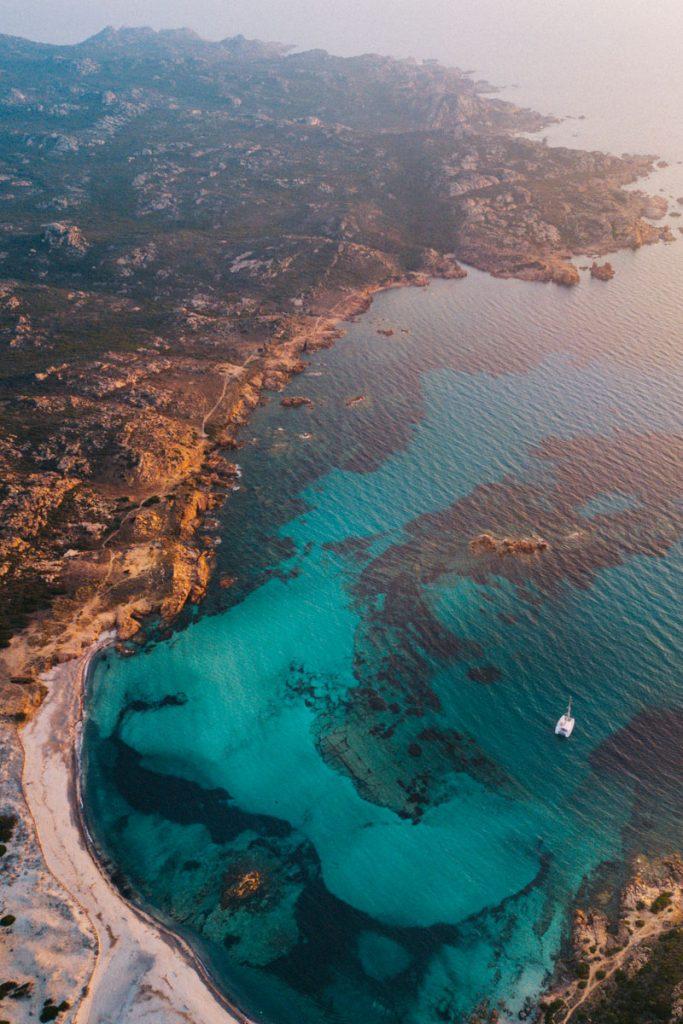Les plus belles plages du sud de la Corse les plages de tonnera et Stagnolu. crédit photo :Clara Ferrand - blog Wildroad