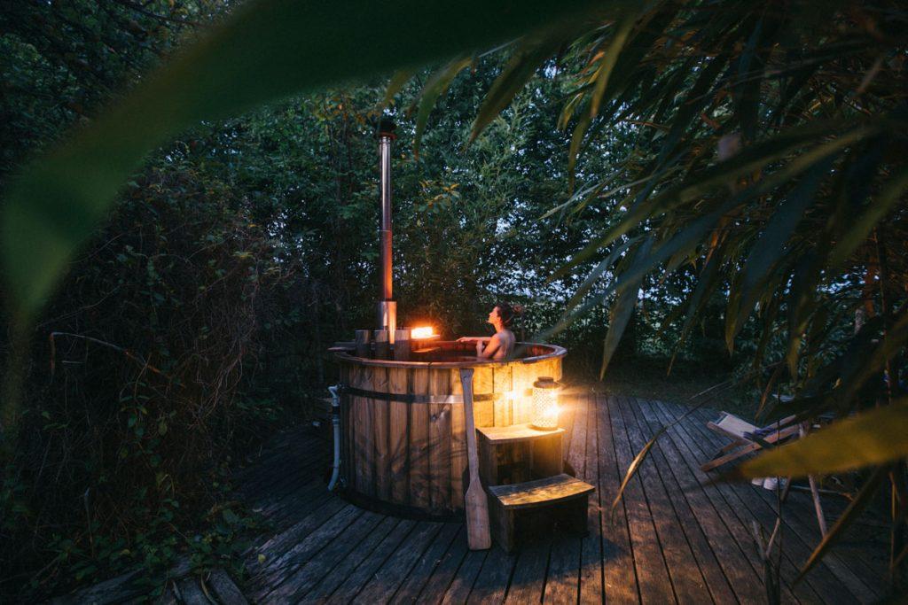 Faire un bain nordique à l'ecolodge la Belle-Verte. crédit photo : Clara Ferrand - blog Wildroad