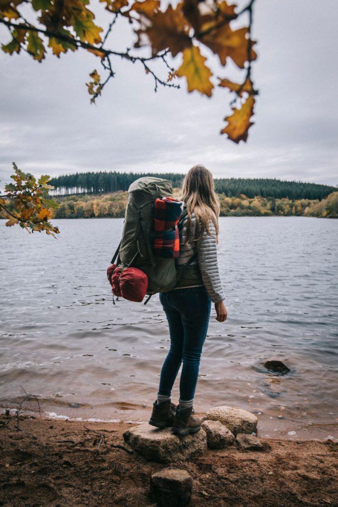 Où partir en week-end bivouac et nature autour de Paris? un séjour comme au Canada à l'automne dans le Morvan. crédit photo : Clara Ferrand - blog Wildroad