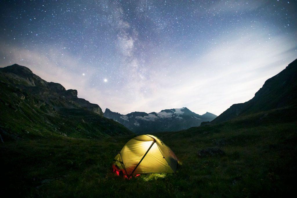 Bivouac et réglementation dans le parc national de la Vanoise. les nouvelles aire de bivouac. crédit photo : Clara Ferrand - blog Wildroad