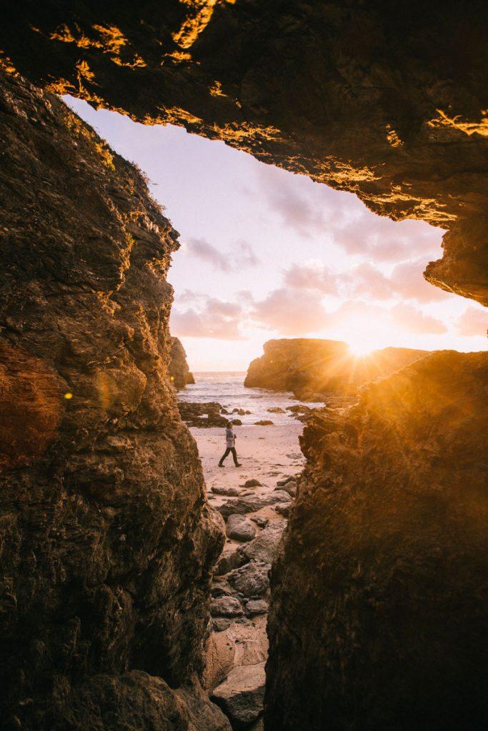 Les caves sur la plage de la pointe des Poulains. crédit photo : Clara Ferrand - blog Wildroad