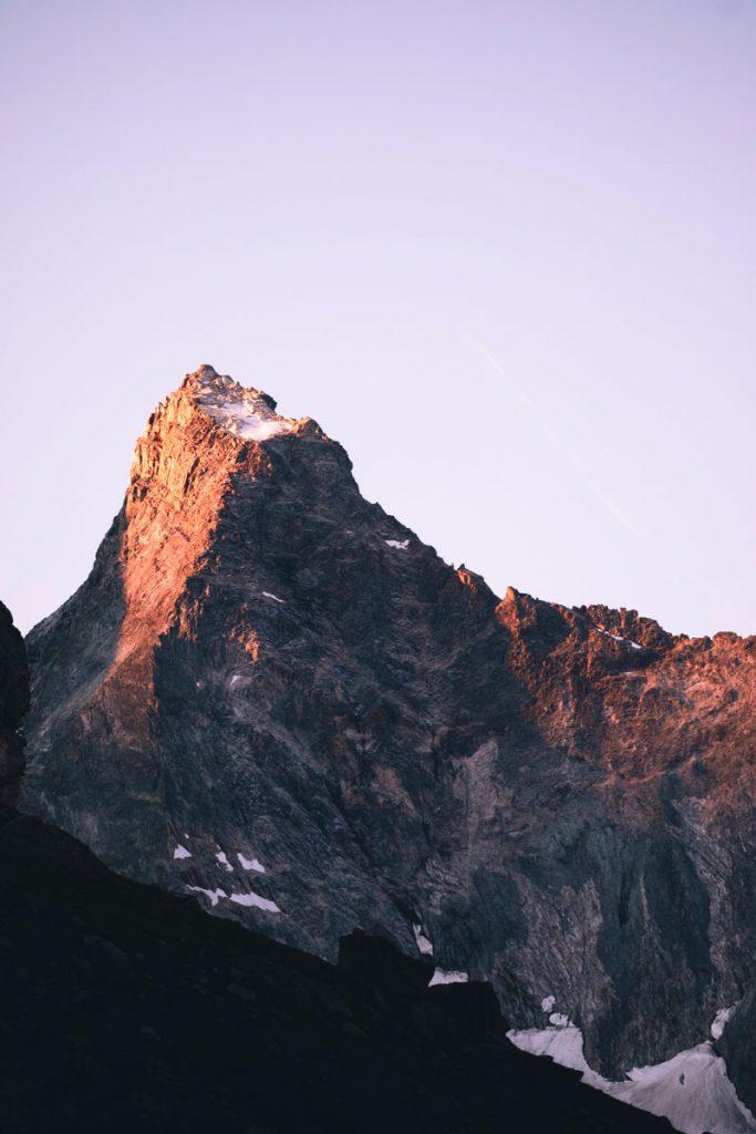 Coucher de soleil sur le glacier de la Glière. crédit photo : Clara Ferrand - blog Wildroad