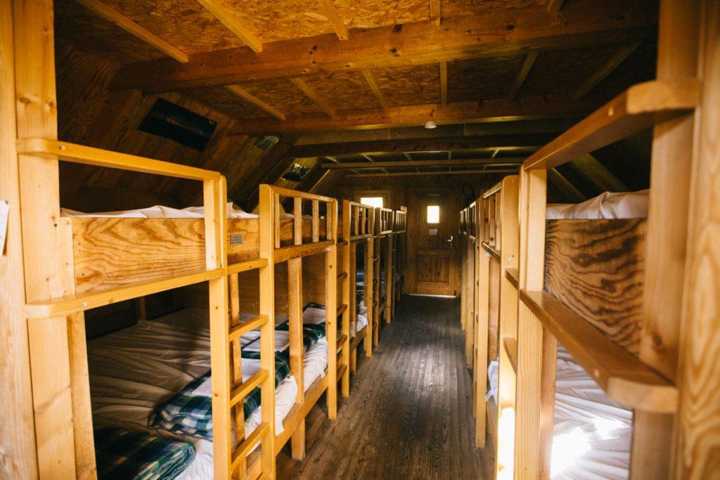 le dortoir du refuge de Plaisance dans la Vanoise. crédit photo : Clara Ferrand - blog Wildroad