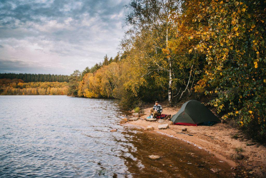 Les règles du bivouac dans le parc naturel régional du Morvan. où est-il possible de camper ? crédit photo : Clara Ferrand - blog Wildroad