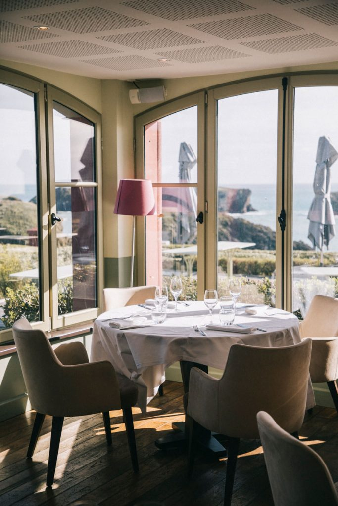 Le restaurant gastronomique de l'hôtel du Grand Large à Port Coton. crédit photo : Clara Ferrand - blog Wildroad