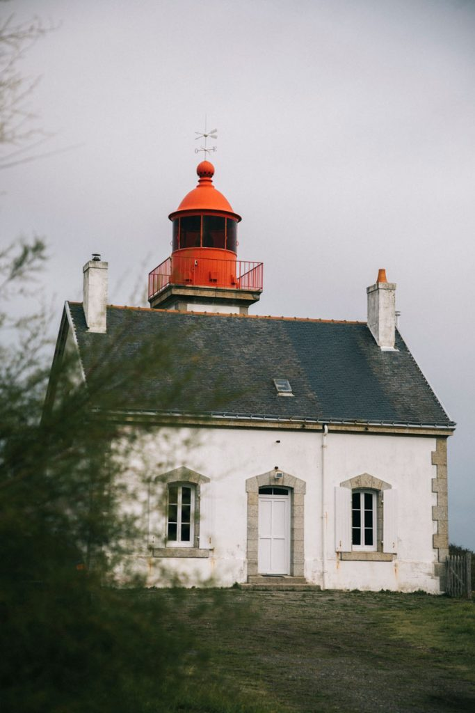 Le phare de la pointe de kerdonis. crédit photo : Clara Ferrand - blog Wildroad