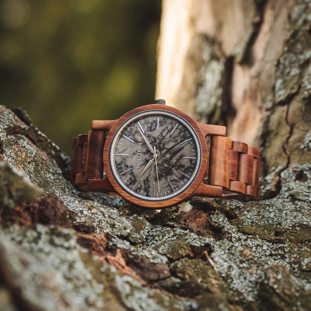Montre en bois de la marque Holzkern