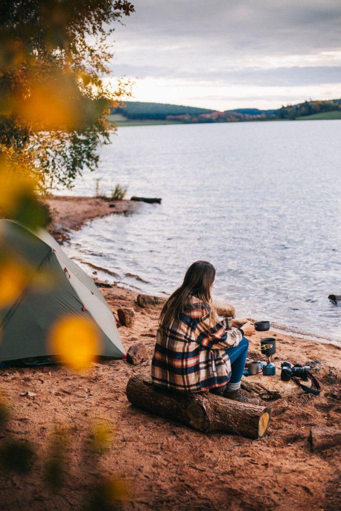 Week-end nature autour des lacs du Morvan avec un bivouac au lac de Saint Agnan. crédit photo : Clara Ferrand - blog Wildroad